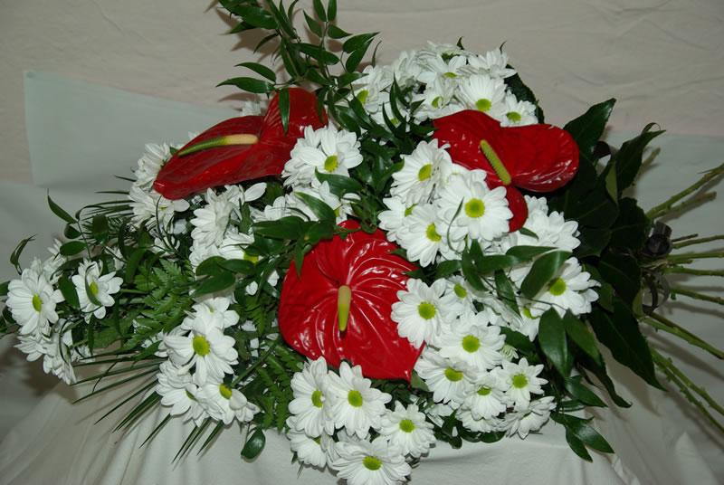 Smuteční kytice volně vázaná 2